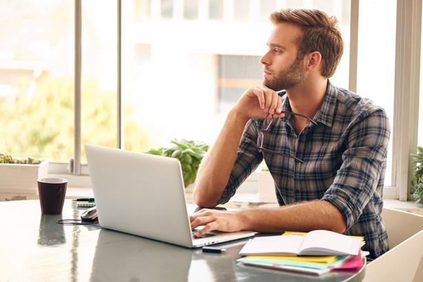 Na rynku pracy poszukiwani są programiści praktycznie wszystkich specjalizacji, a największym zainteresowaniem cieszą się specjaliści od Java i JavaScriptu.