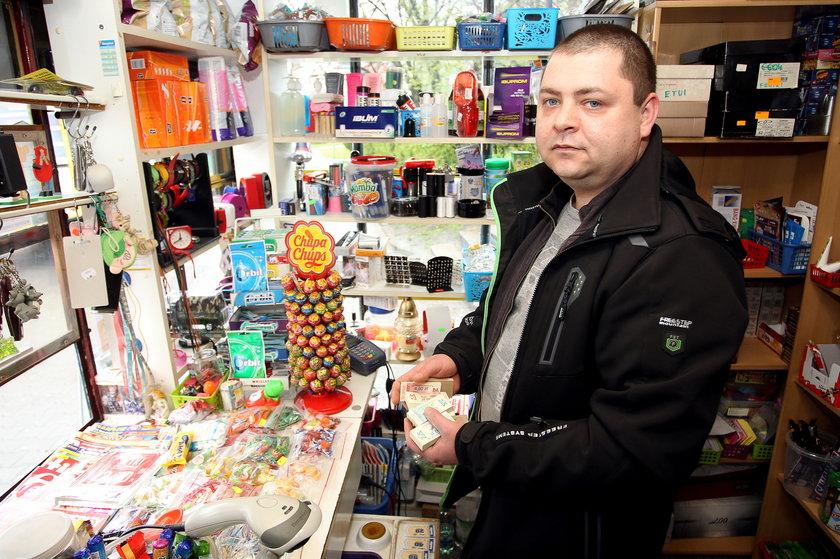 Adam Poprawa (31 l.), kioskarz
