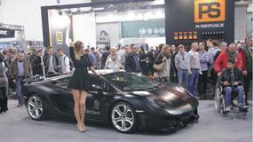 Lamborghini i Mercedes uczestnika JUST MUST podbija świat