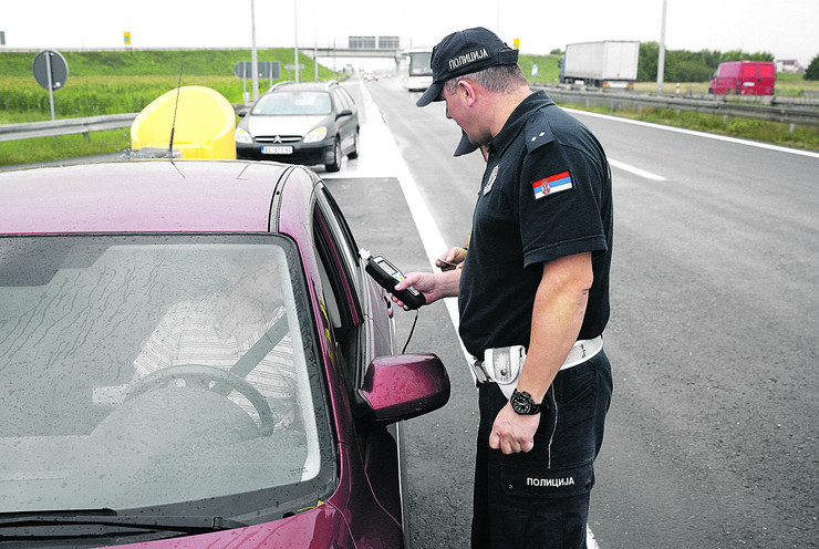 Alkotest, saobraćajna policija, pokrivalica