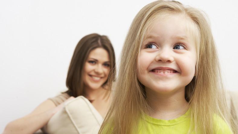 Dwa razy częściej alergię dziedziczy córka po matce, tak jak syn po ojcu