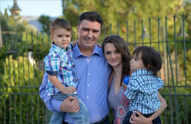 Sanja Ivić sa porodicom