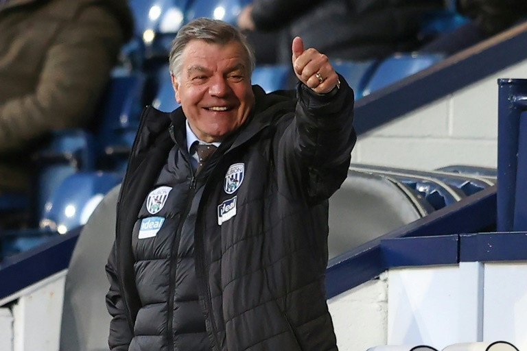 Chelsea seek to derail Man City quadruple bid as fans ...