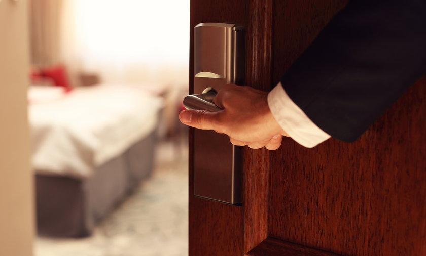 Branża hotelarska jest na majówkę zamknięta, ale są wyjątki od tej reguły, a ofert skierowanych do pacjentów z opiekunami nie brakuje.