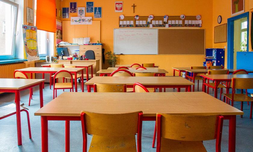 Zwolnienia nauczycieli
