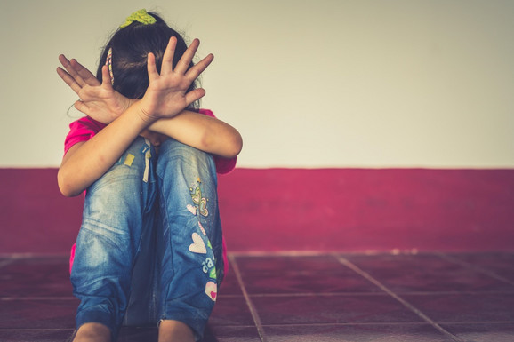 Nije VRŠNJAČKO NASILJE samo fizičko maltretiranje Ove oblike MORATE prepoznati i hitno reagovati na njih