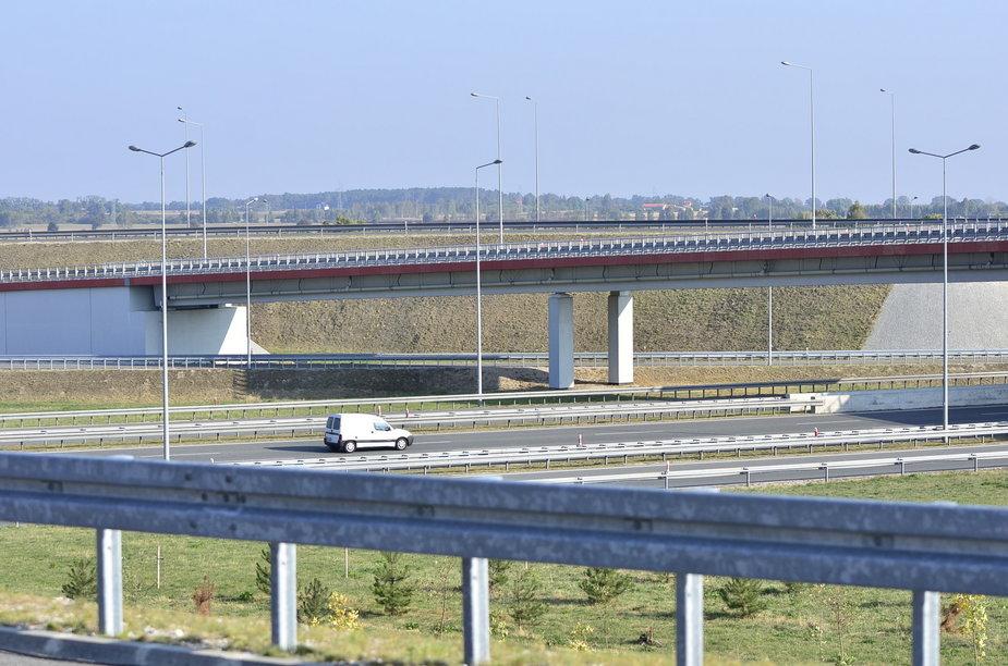 Autostrada A2. Widok z wiaduktu na A1