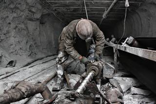 Górnicze traumy. Od stu lat pracownicy polskich kopalń są niepewni swojego losu