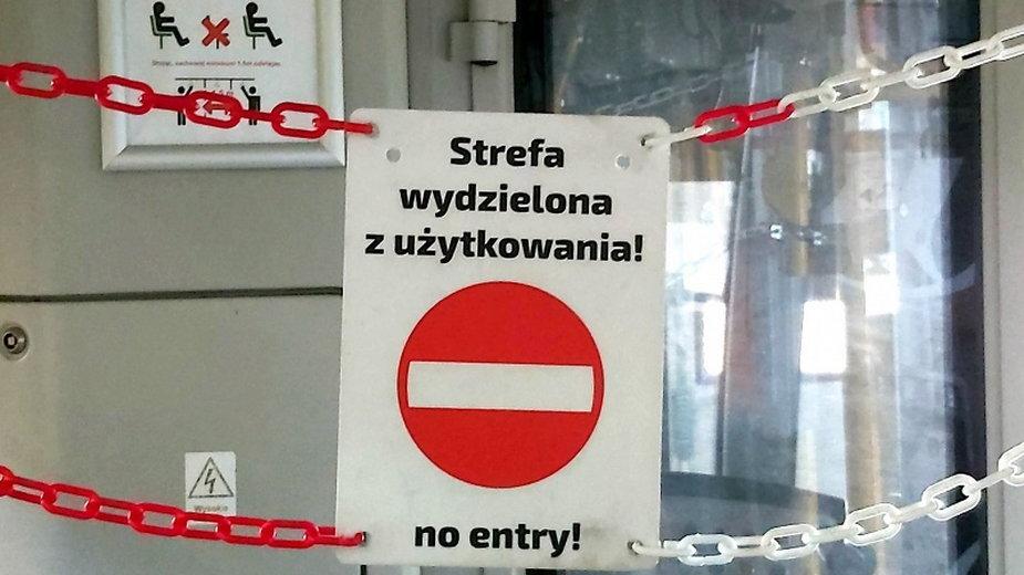 """tablica z napisem """"strefa wydzielona z użytkowania"""" fot MPK Poznań"""