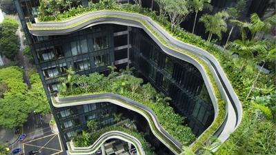 À Singapour, un hôtel futuriste marie modernité et nature sauvage