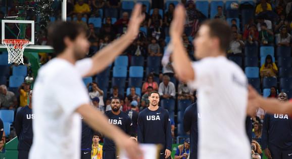 Detalj pred olimpijski košarkaški duel Srbije i SAD u Rio de Žaneiru