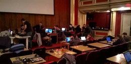 Informatycy zamknięci w Teatrze Polskim