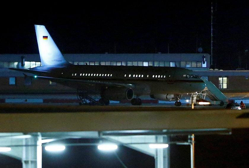 Awaryjne lądowanie Angeli Merkel