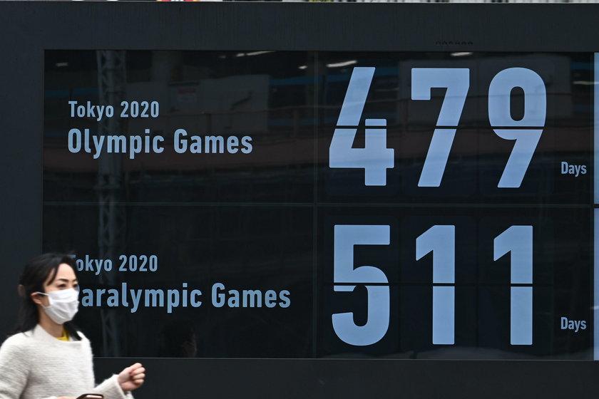 Na specjalnej tablicy w Tokio odliczane są dni do igrzysk i paraolimpiady