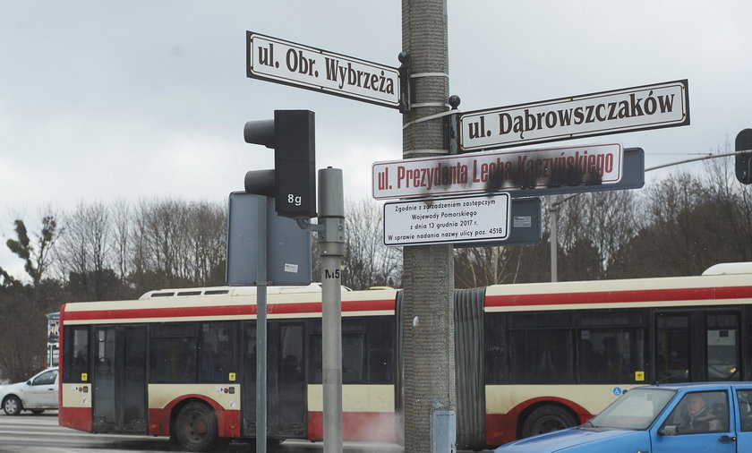 Zniszczone tablice z ul. Kaczyńskiego. Po jednym dniu!