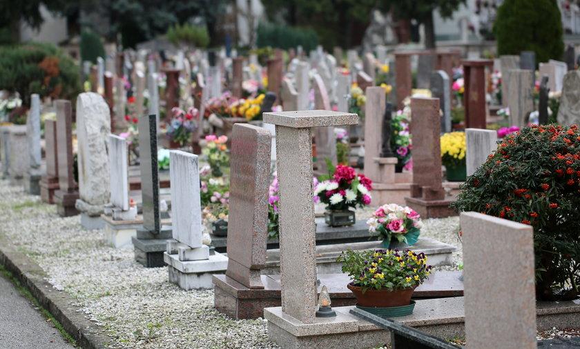 Jeśli nie ma sporządzonego testamentu, a rodzina chce pochować zmarłego według własnej woli, partner(ka) zmarłego nie mają na to wpływu.