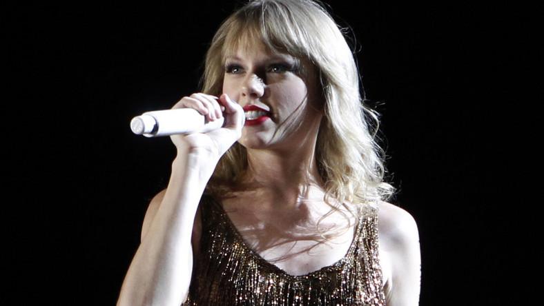 """Przez ostatni rok Taylor Swift zgromadziła na koncie imponującą sumę ponad 35 milionów dolarów, z czego niemal 30 milionów to wpływy ze światowej trasy koncertowej """"Speak Now"""""""