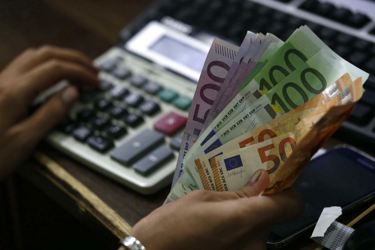 Srednji kurs dinara 118,23