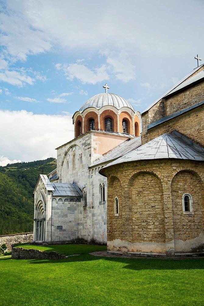 Monahinja Anastasija sahranjena je u priprati manastira Studenica
