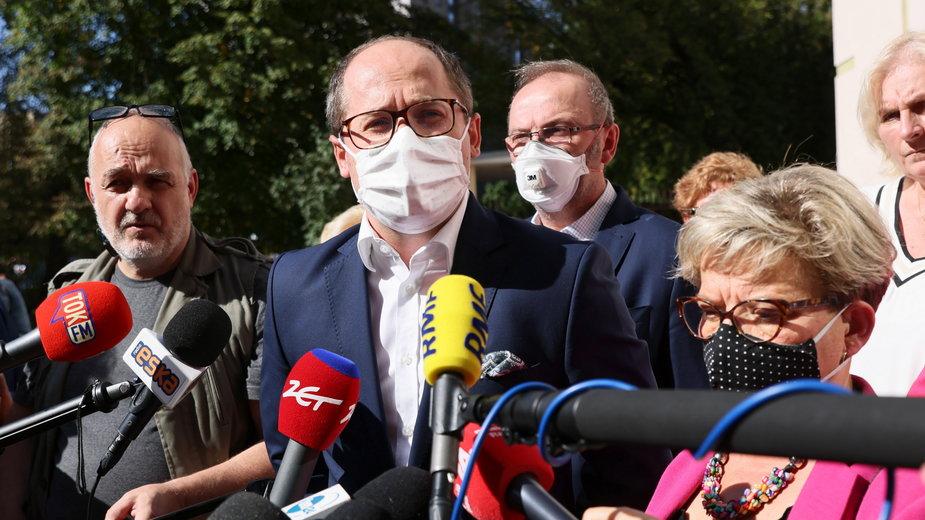 Przedstawiciele protestujących medyków - Artur Drobniak i Krystyna Ptok