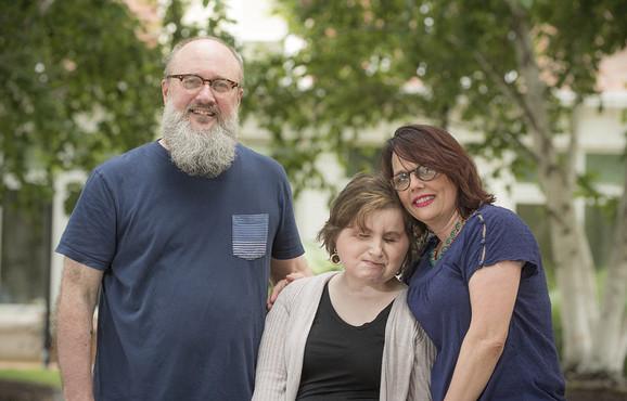 Kejti s roditeljima Alesijom i Robom