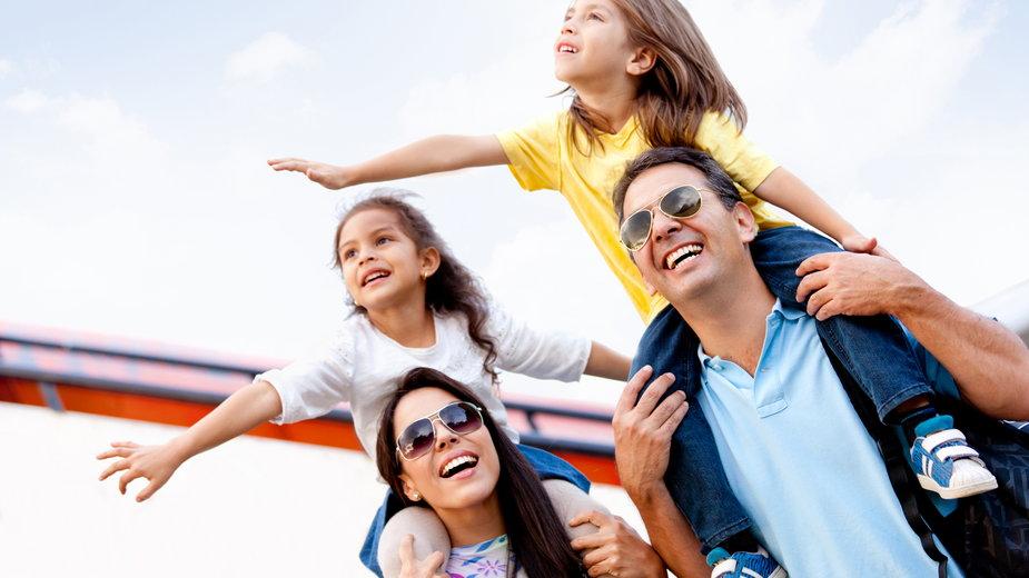 Prawie 1/3 Polaków chciałaby mieć dużą rodzinę - wynika z badania CBOS