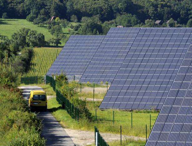 Polski rynek kolektorów słonecznych – instalacji do podgrzewania wody użytkowej siłami natury – jest polem bitwy firm z całego świata.