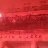 """""""UBILI SMO SE K'O MAJKE!"""" Ludnica u Rijeci nakon osvajanja Kupa, URNEBESNA scena iz svlačionice i slavlje kao nikad ranije /VIDEO/"""