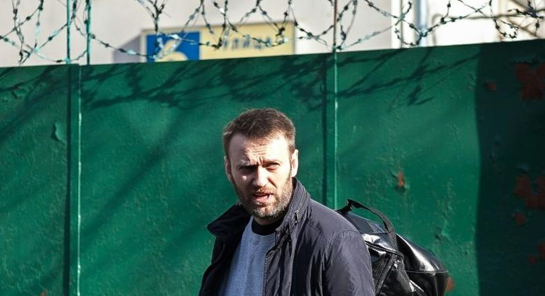 Russian opposition politician Alexei Navalny leaves a detention centre in Moscow on March 6, 2015