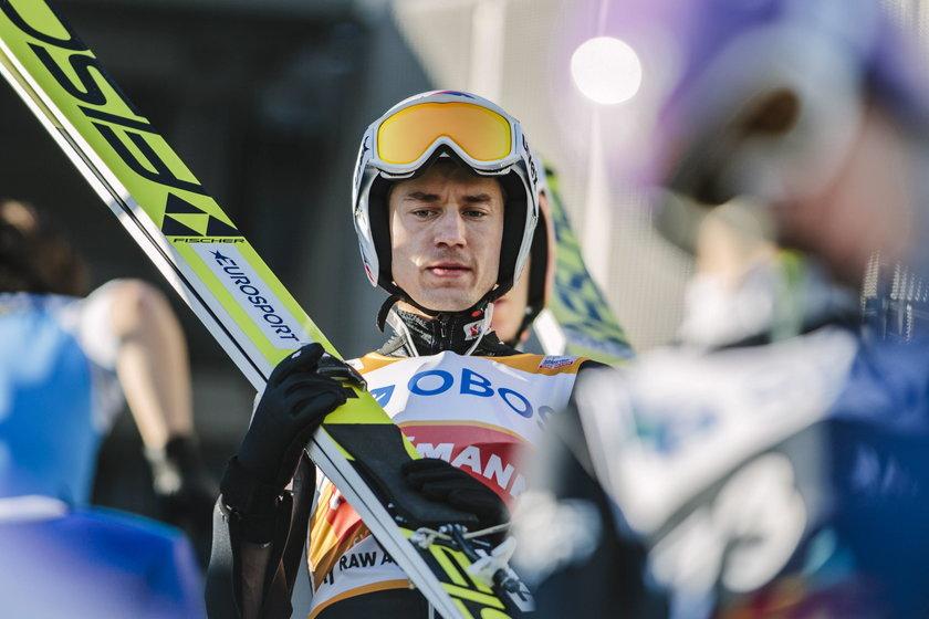 PŚ w Vikersund: Kamil Stoch wygrał kwalifikacje! Żyła zawalił skok