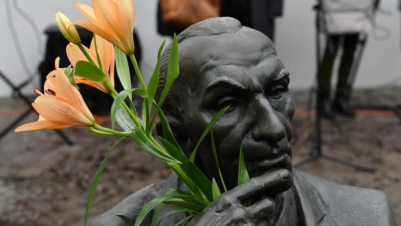 Posąg Jana Karskiego