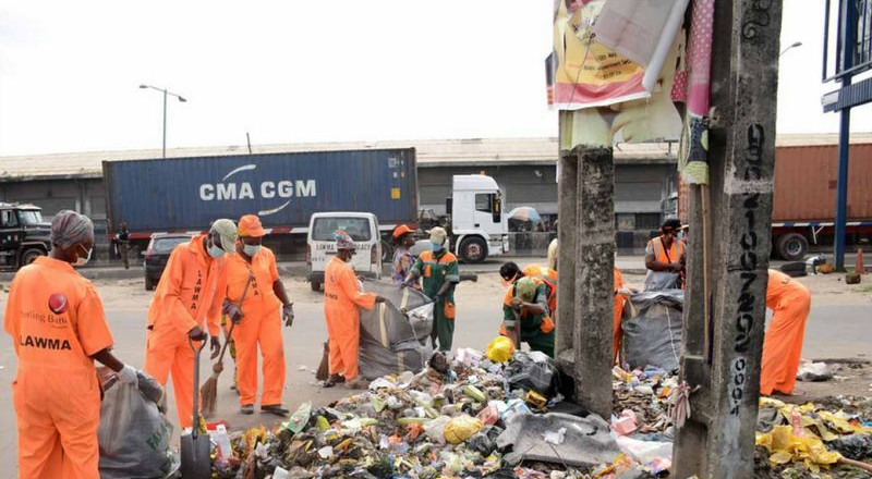 Lagos accuses contractors of paying street sweepers N5k instead of 25k