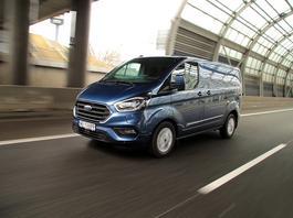 Ford Transit Custom plug-in – miejski dostawczak