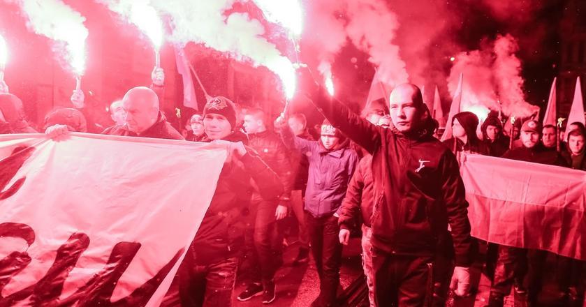 Jeden z najważniejszych portali biznesowych na świecie rzuca gromy na Polskę. Na zdjęciu: Marsz Patriotów we Wrocławiu