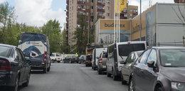 Mieszkańcy nowego osiedla w Czyżynach: Tu nie ma gdzie zaparkować !