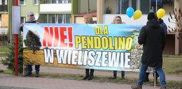 Mieszkańcy Wieliszewa protestują: pendolino nie da nam żyć!