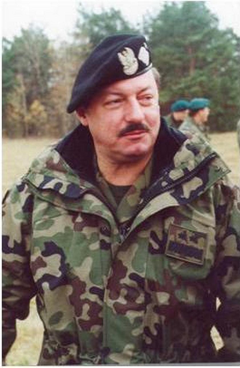 GenerałMakarewicz