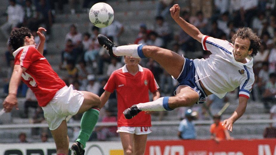Mistrzostwa Świata w Meksyku, 1986 r. Michel Platini w meczu Francja - Węgry