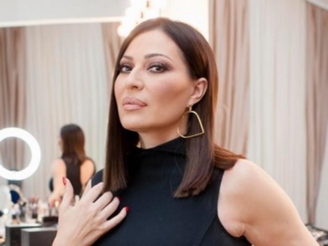Najveće TAJNE naših zvezda: Ana Stanić ima 34 godine MLAĐU SESTRU, a nikad ne biste rekli da je ONA CECINA KUMA!