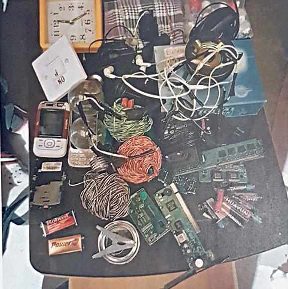 U potkrovlju pronađeni elementi za eksplozivnu napravu