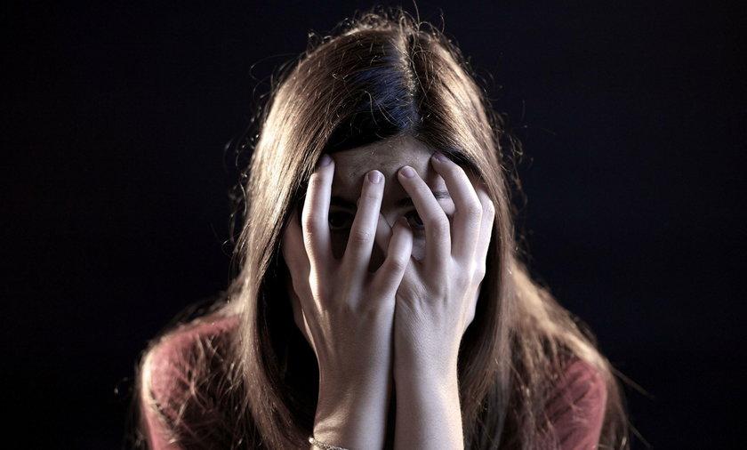 21-latka popełniła samobójstwo. Była gwałcona i szantażowana