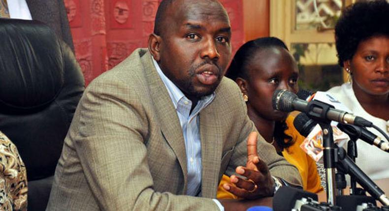 File image of Senate Majority Leader and Elgeyo Marakwet Senator Kipchumba Murkomen addressing media at Parliament Buildings