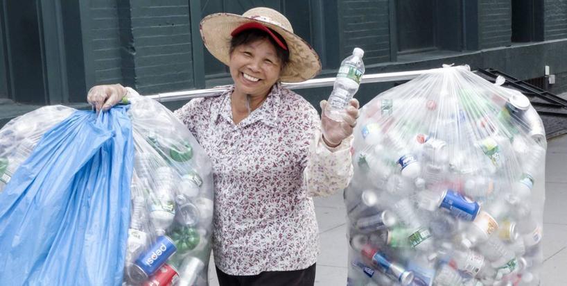 Chiny walczą z plastikiem. Do 2025 roku znikną jednorazowe foliówki i słomki