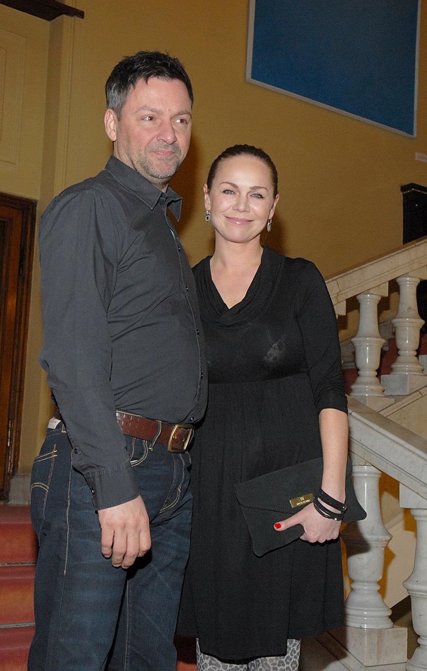 Monika Krzywkowska z mężem