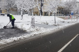 parking servis čisti sneg