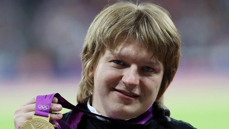 Valerie Adams poczeka na medal, który odebrano białoruskiej zawodniczce