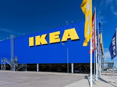 IKEA w Lublinie wprowadziła prawdziwe jabłka, bo klienci gryźli atrapy