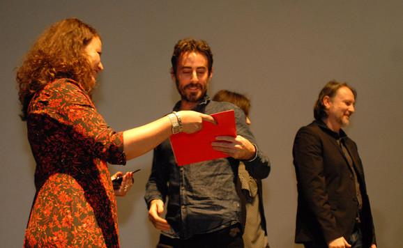 Vejn Roberts prima nagradu za najbolju režiju