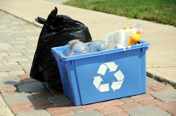 Polacy pytają: dlaczego wywóz śmieci musi zdrożeć i to w dodatku tak drastycznie.