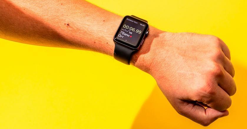 Apple_Watch_Hollis_Johnson